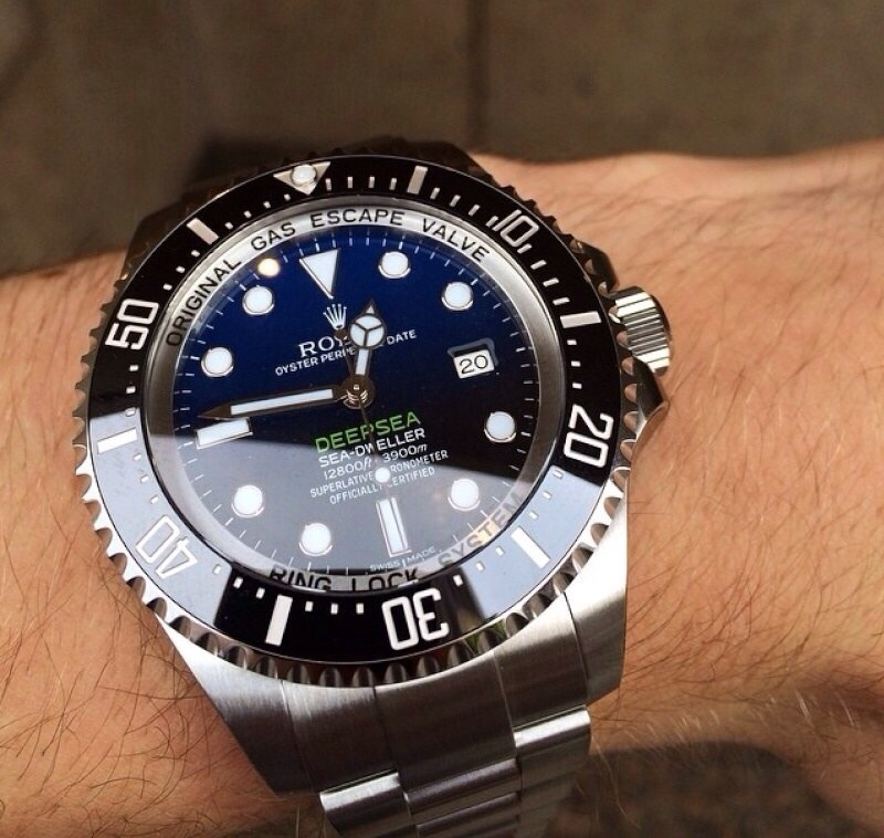 価格 Com ロレックス シードゥエラー ディープシー 116660(ブラック)オイスターブレスレット